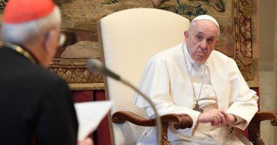 papa curia romana