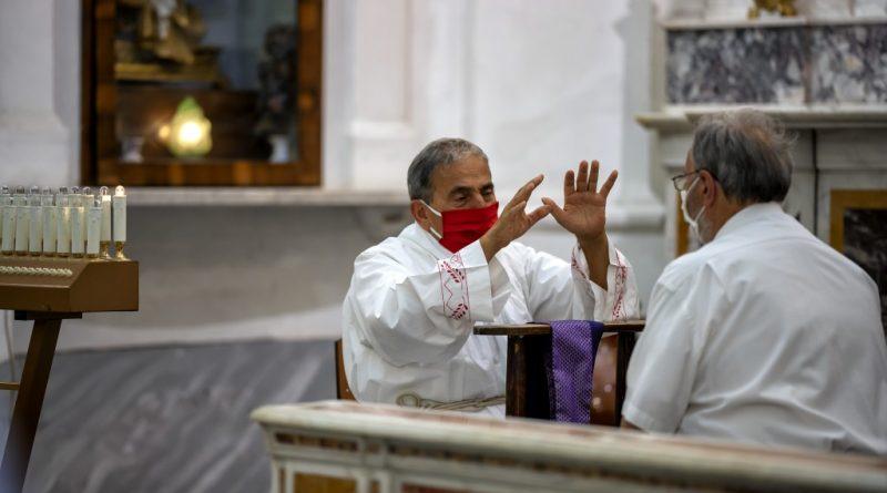 Pandemia e sacramenti: confessione nella «terza forma»